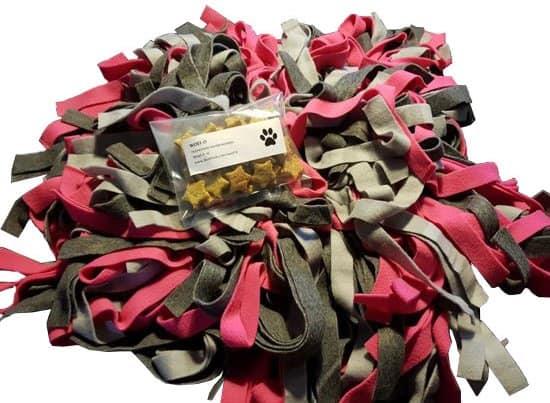 Grote Woef-it Snuffelmat lichtgrijs, donkergrijs, pink